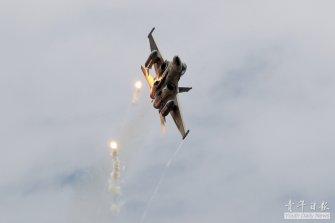 중국에 질 수 없다 '대만의 IDF 징궈하오 전투기'