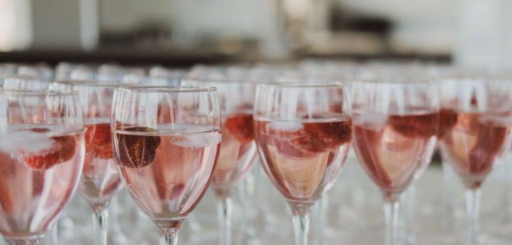 봄을 닮았다, 로제 와인