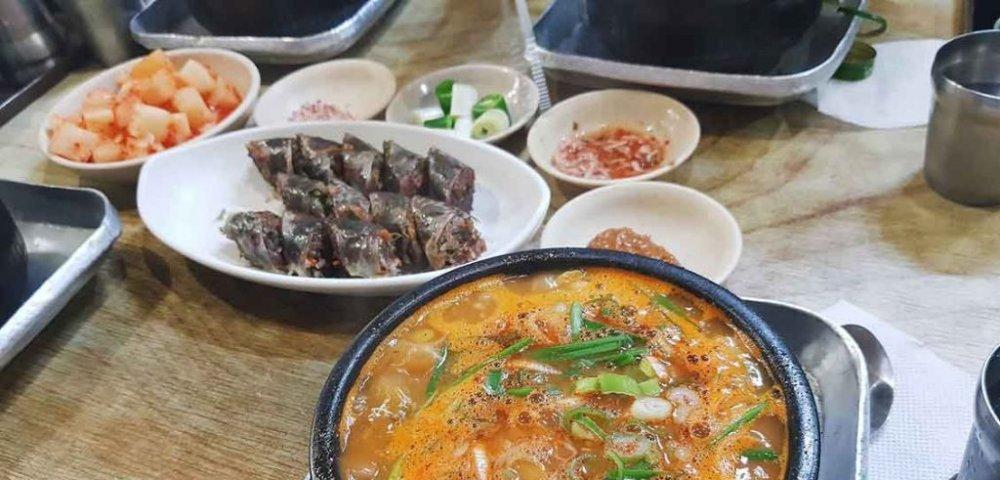 찬 바람 불 때, 든든한 국밥 어때?