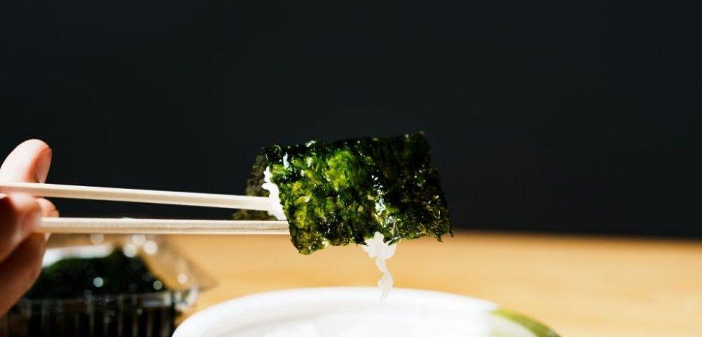 흰 쌀밥을 김갑생할머니김으로 감싸보았다. 사진=서정준 객원기자