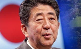 '아베가 또?' 하필 오사카 성에서…日에서도 '시끌'