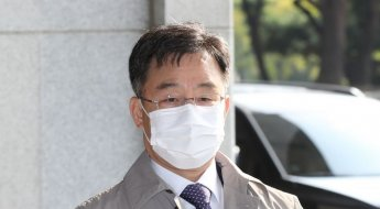 검찰, '대장동 의혹' 핵심 4인방 소환…4자 대질 조사