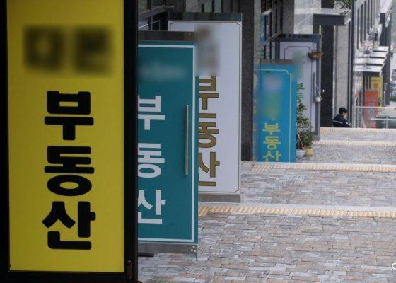 """""""눈 뜨면 1억 뛰니 집 보러도 안와"""" 서울 매수 실종"""