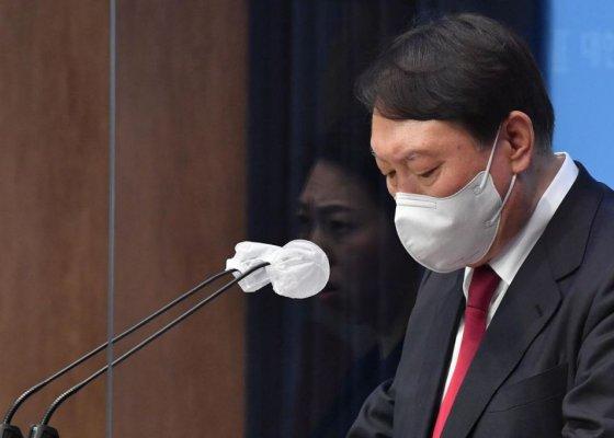 """""""주저앉지 않겠다""""윤석열, 두 번째 대국민 호소"""