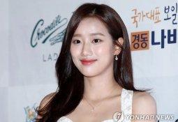 """이나은 측 """"고영욱 관련 부적절한 발언은 합성 사진"""" 해명에도…"""