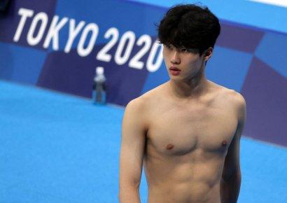 한국 수영의 희망 황선우, 생애 첫 올림픽 무대서 한국新…전체 1위로 준결승행(종합)
